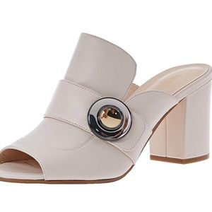Nine west off white heels w/ gold & silver button